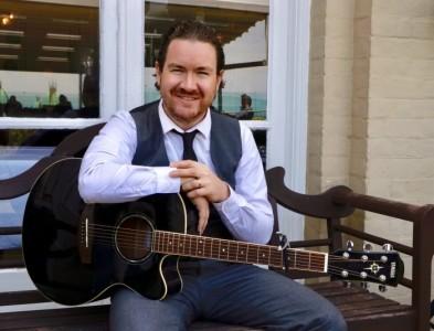 Tommy Winn Singer & Guitarist - Male Singer