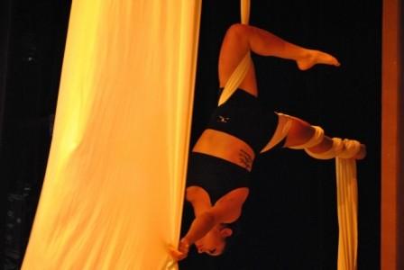 Gabriela Carrera Chavez - Aerialist / Acrobat