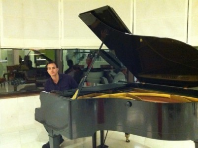 Anis Tolba - Pianist / Keyboardist