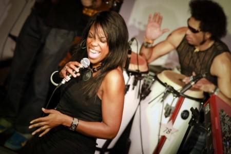 AQuilla Fearon - Female Singer