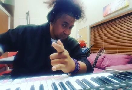 LĀNZWEL - Other Singer