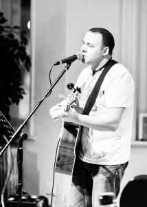 Aidan Moore - Acoustic Guitarist / Vocalist