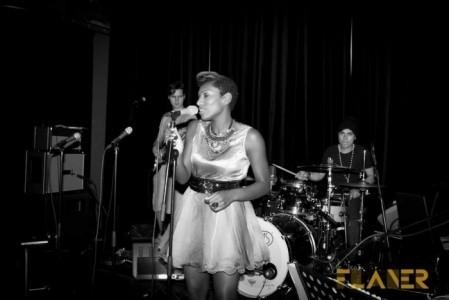 Valerie Jane - Female Singer