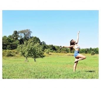 Aliecia Marie Anderson - Female Dancer