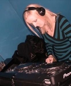 Laydee V - Nightclub DJ