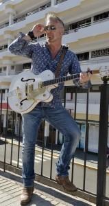 Gary Lithgow - Guitar Singer