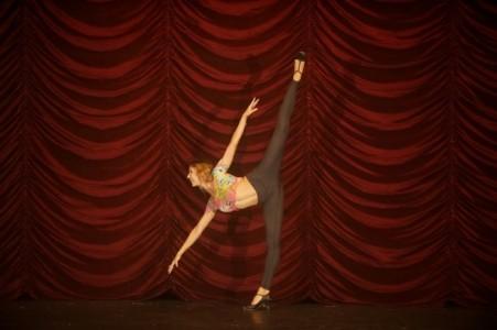Victoria Gusa - Female Dancer