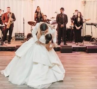 Ashwi I - Wedding Singer
