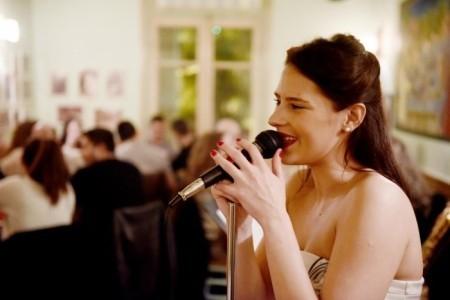 Ioanna Papakosta - Female Singer