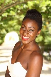 Pia Latoya - Female Singer