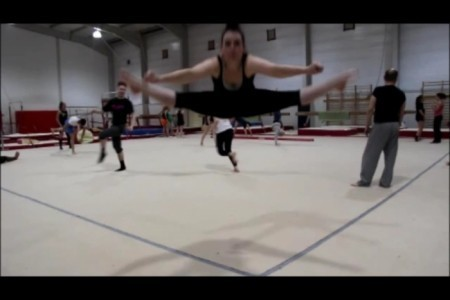 Lalie - Aerialist / Acrobat