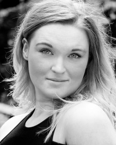 Claire Lusk - Female Singer