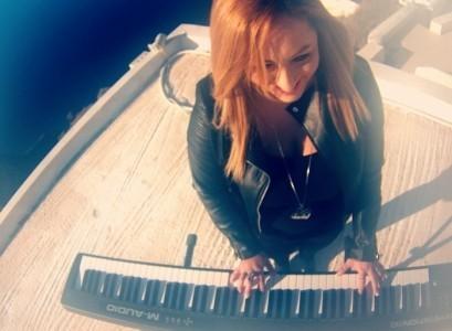Ntina Falliera - Female Singer