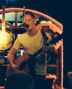 Dominic Morgan - Guitar Singer
