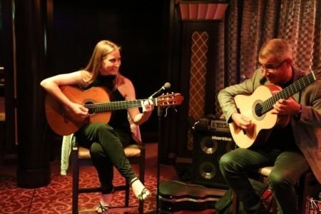 Yunta Brava Duo - Classical / Spanish Guitarist