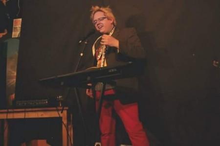 Friz Frizzle - Comedy Singer