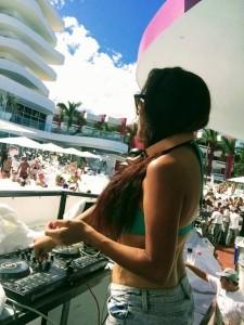Dj Cora - Party DJ