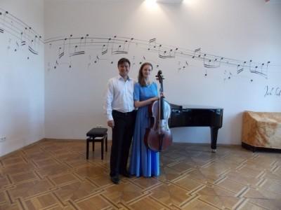 Duo Wind on Strings - Cellist