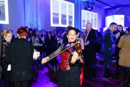 Elena - Violinist