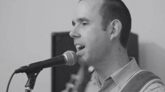 Paul Richards  - Male Singer
