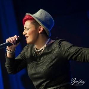 Raquel - Female Singer