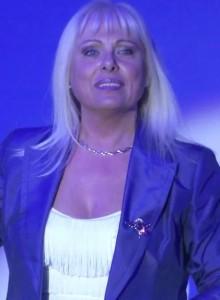 Angela Benn - Female Singer