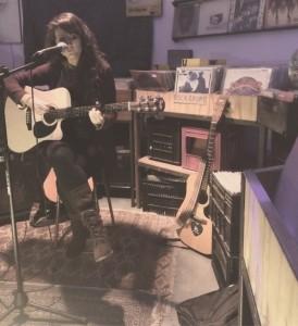 Kirsten Hunneyball - Female Singer