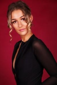 Leah McNay - Female Dancer