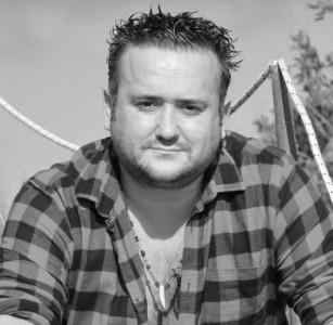 Bomba Rock - Guitar Singer
