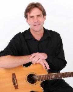 Mike Simons - Acoustic Guitarist / Vocalist