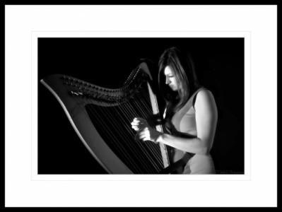 Iona Thomas  - Multi-Instrumentalist