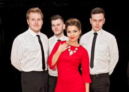 Ildi And The Hightones - Cover Band