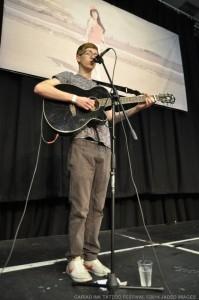 Josh Robinson - Guitar Singer