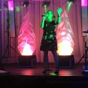 Donna Bell Female Vocalist - Female Singer