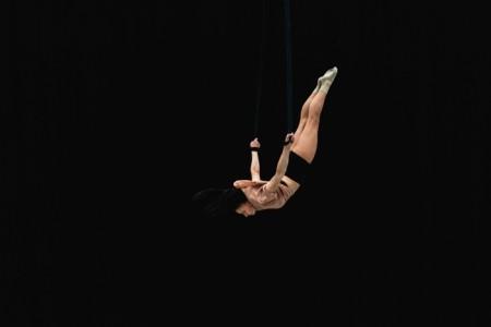 Lúcia Devai - Aerialist / Acrobat