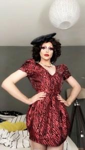 Shanquiela La QueefMachine  - Drag Queen Act