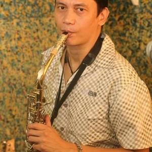 Soloist/Vocalist/Guitarist/Saxophonist  - Acoustic Guitarist / Vocalist
