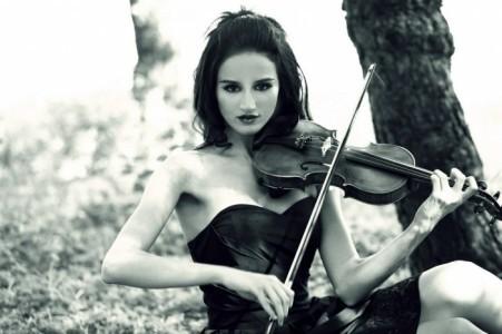 Samira Riachy - Violinist