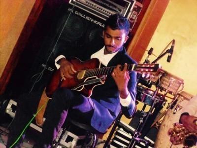 Aran fernando - Classical / Spanish Guitarist