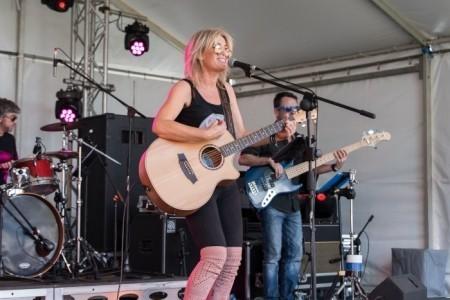 Fiona O'Shea & The Passengers - Duo