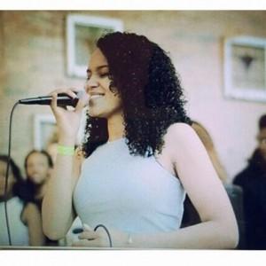 Rochellé - Female Singer