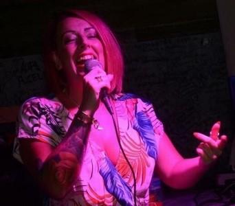 Leona Rae - Female Singer