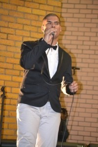 ChriZio - Pianist / Singer