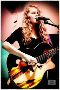 Jade Shepherd - Acoustic Guitarist / Vocalist
