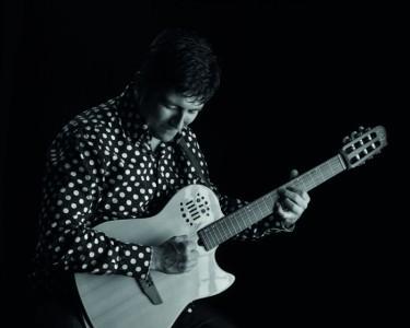 Anton  - Acoustic Guitarist / Vocalist
