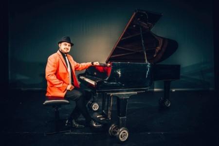 Anthony Farkas - Pianist / Keyboardist