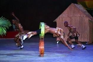 tsavo boys acrobats - Aerialist / Acrobat