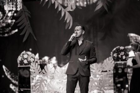 Fran Cobos - Classical Singer