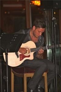 Aaron James Williams - Classical / Spanish Guitarist