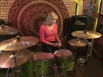 Kate May - The Mint Blonde - Drummer